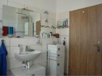 Badezimmer der Wohnung im 1. OG