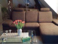 Wohnzimmer der Wohnung im DG