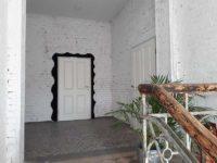 Eingang zu einem abgetrennten Bürobereich