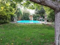 Grundstück mit Pool